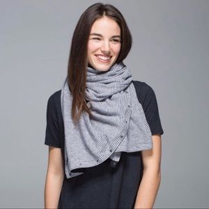 Lululemon Vinyasa Scarf Mini Check Pique Heathered